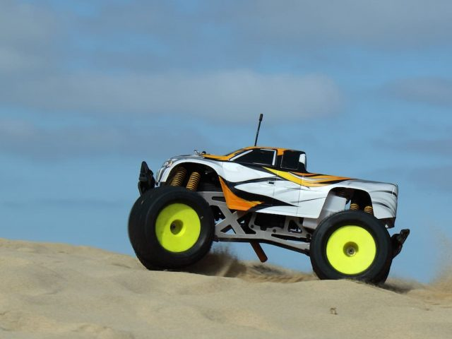 How to Best Clean a Dirty Nitro RC Car to Extend Life